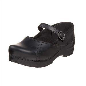 Dansko Marah Clogs Size 38